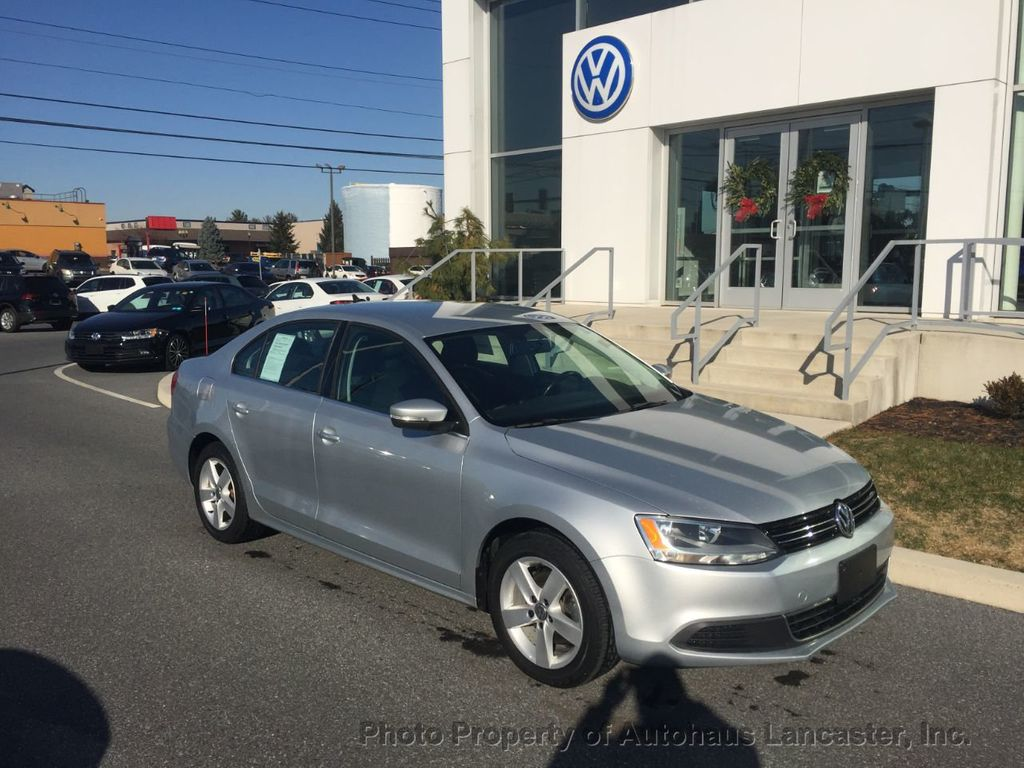 Pre-Owned 2013 Volkswagen Jetta Sedan 4dr DSG TDI