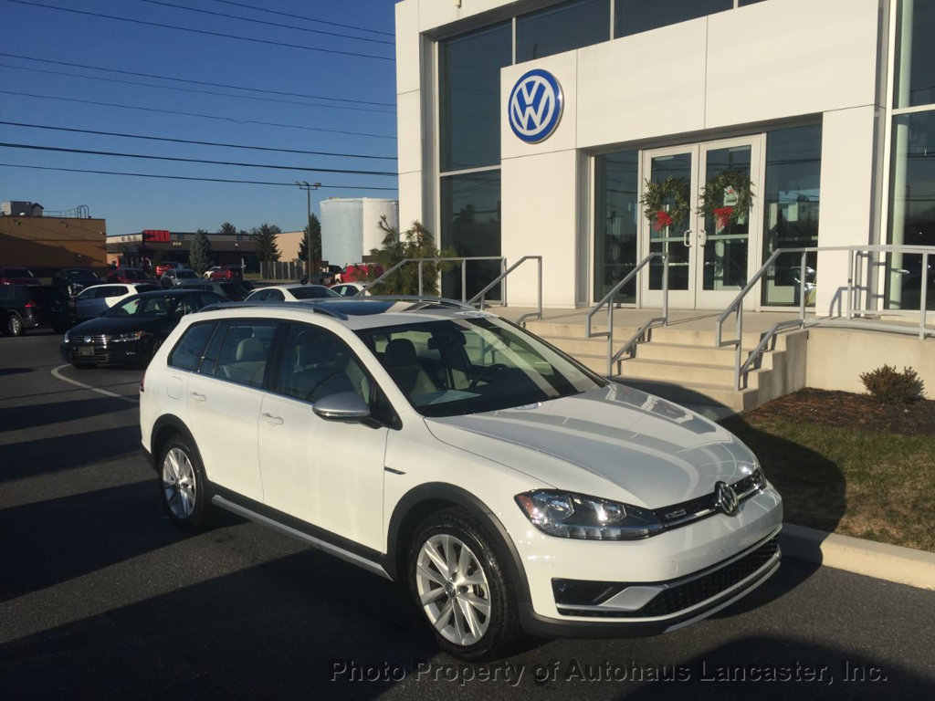 New 2019 Volkswagen Golf Alltrack 1.8T SE Manual