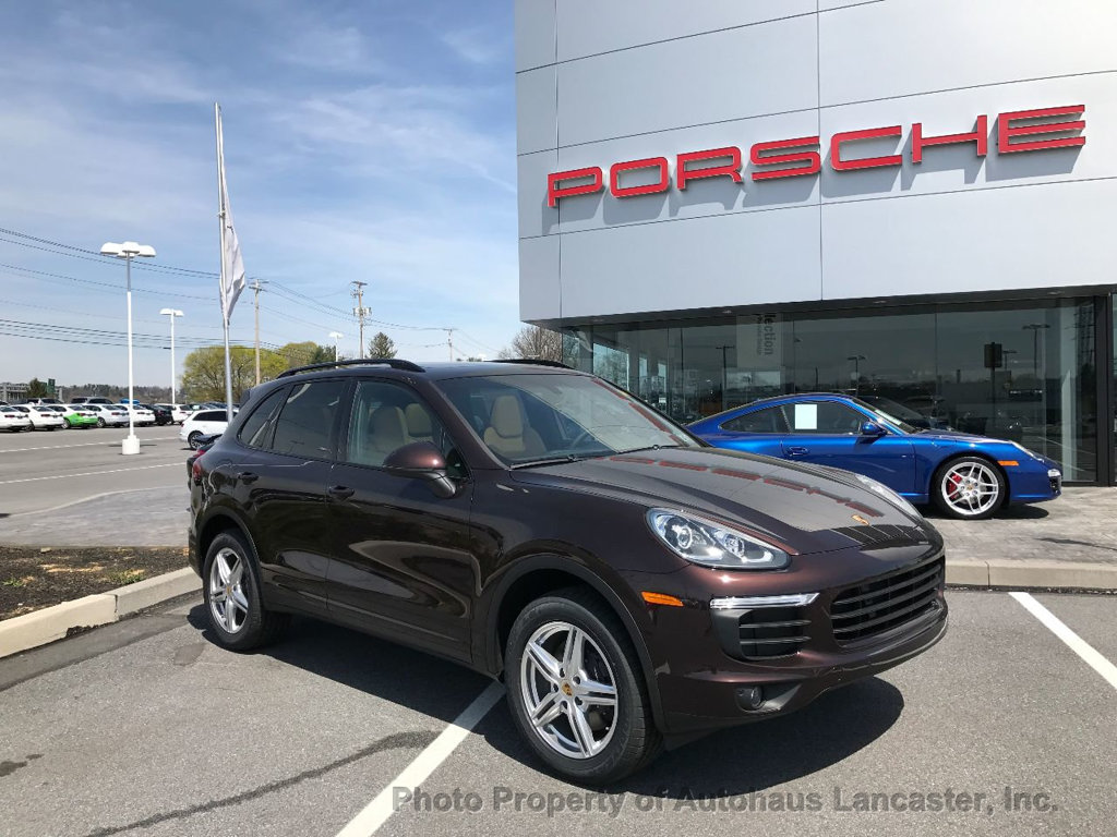 Pre Owned 2017 Porsche Cayenne Awd
