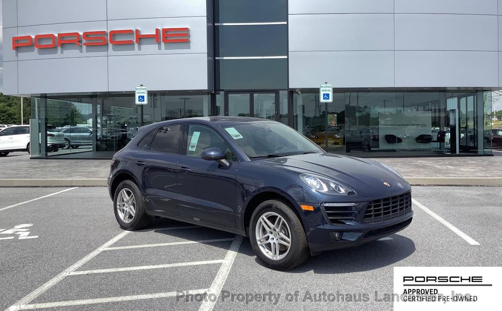Pre-Owned 2017 Porsche Macan FULLY CERTIFIED!!!! PORSCHE EXTENDED WARRANTY