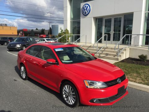 Certified Pre-Owned 2014 Volkswagen Jetta Sedan 4dr Manual TDI w/Premium/Nav