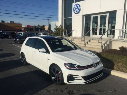 New 2020 Volkswagen Golf GTI 2.0T SE Manual