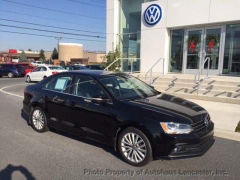 Certified Pre-Owned 2015 Volkswagen Jetta Sedan 4dr Automatic 1.8T SE w/Connectivity/Navigation