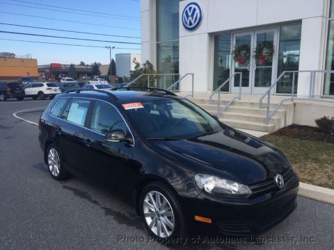 Certified Pre-Owned 2013 Volkswagen Jetta SportWagen 4dr Manual TDI w/Sunroof & Nav