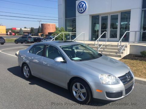 Pre-Owned 2008 Volkswagen Jetta Sedan 4dr Manual S